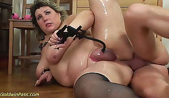 bbw mother gets pumped and anal banged